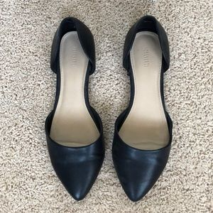 Black pointy toe flats